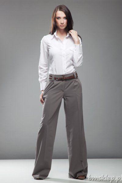 """Wytworne i eleganckie spodnie """"szwedy"""". Szerokie #nogawki na kant decydują o ich niebalnym wyglądzie i optycznie wydłużają nogi. Podwyższony stan doskonale kompunuje się z koszulą wpuszczoną do środka. Skład: 60% #poliester, 35% #wiskoza, 5% elastan... #Spodnie - http://bmsklep.pl/spodnie"""