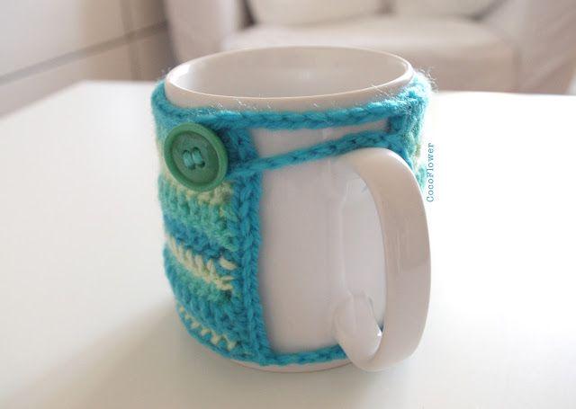 DIY Cozy Mug Cover ou le couvre tasse confortable au crochetby www.cocoflower.net - http://www.etsy.com/shop/cocodollz