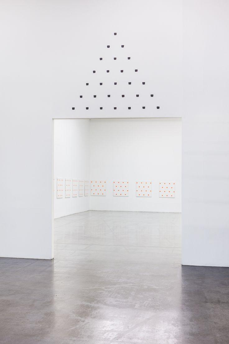 Niele Toroni | Swiss Institute