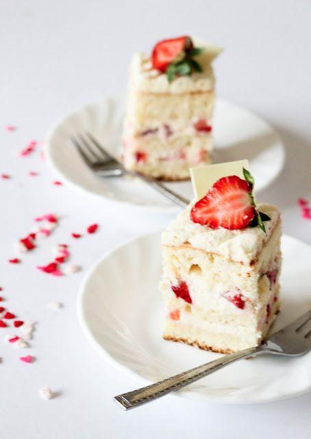 Japanese Strawberry Shortcake | !!BEST DESSERTS!! | Pinterest