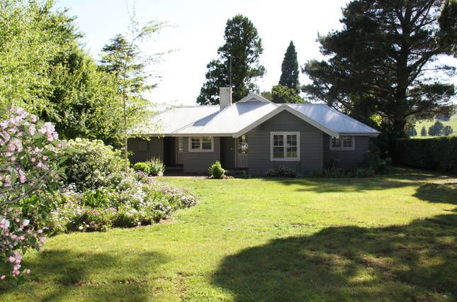 Book Barn Cottage | Berrima, NSW | Accommodation