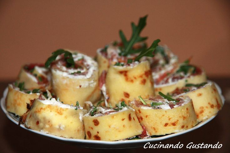 Crepes prosciutto crudo formaggio rucola