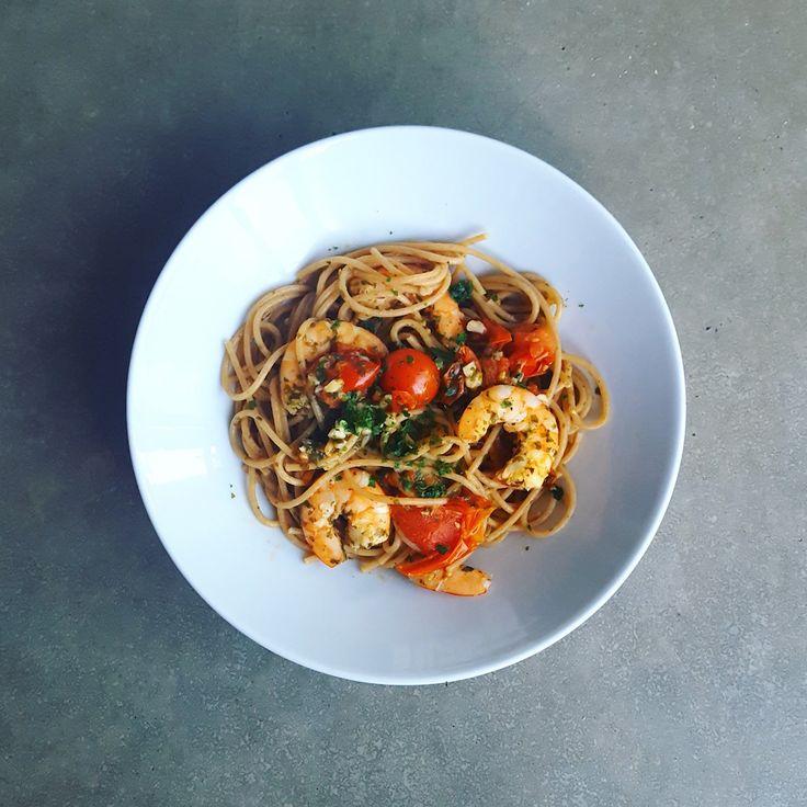 Ce plat est une de mes recettes fétiches quand je n'ai pas le temps ou qu'un repas s'improvise en dernière minute. C'est un plat plein de saveurs et, si on le prépare avec des spaghetti complets, il s'insère parfaitement dans une alimentation équilibrée et légère. Le... #express #pates #poisson