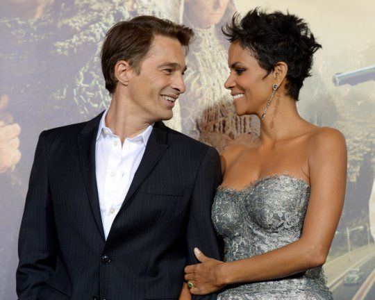 Halle Berry & Baby Daddy Olivier Are All Set To Tie The Knot!