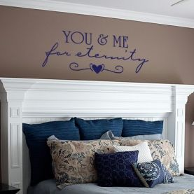 Love the quote & headboard. I would love to do this in my master bedroom. Maybe for Christmas??