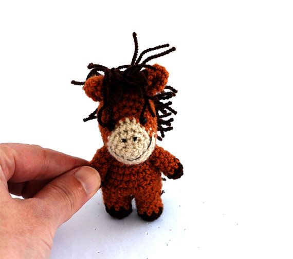 Stuffed little horse, miniature crocheted horse, cute gift for children, small soft toy, amigurumi plushie farm animal, countryside summer