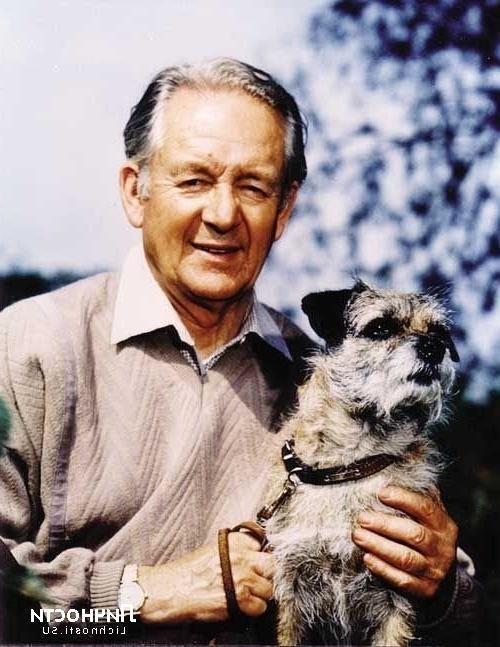 Джеймс Хэрриот - английский писатель, ветеринар и летчик, автор книг о животных и о людях.
