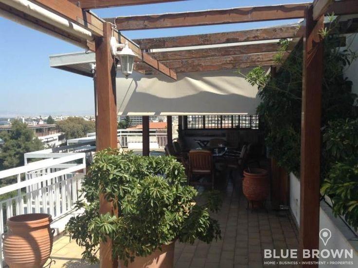 Ρετιρέ οροφοδιαμέρισμα πωλείται στο Καβούρι, 140 τ.μ., 3ου ορόφου, με 3 υπνοδωμάτια, αποθήκη, διαμπερές, μεγάλες βεράντες, διαμπερές, δίπλα στην παραλία, μέσα στο πράσινο...