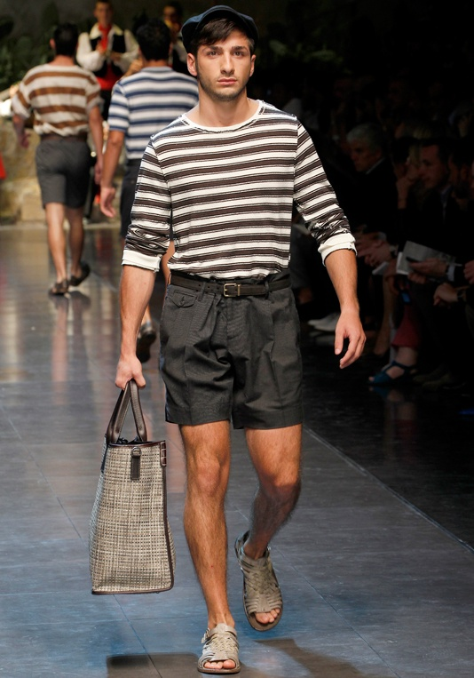 Dolce & Gabbana Collection Men Fashion Show Spring Summer 2013 - Runaway FotoGallery and Video. - Dolce & Gabbana presents a preview of the Men Collection Spring Summer 2013 from the eccentric Fashion Show