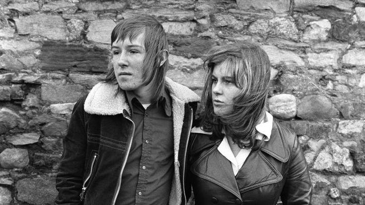 Margaret et Barry Kirkbride, couple d'adolescents à la mode, Workington, Cumbrie, 1975.