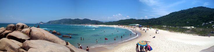 Florianopolis é rica em cultura, arquitetura, culinária, passeios, baladas, praias. É uma cidade com garantia de diversão e de ótimas visitas turísticas.