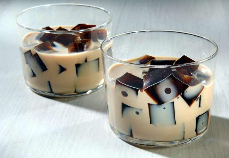 Esta gelatina de café mosaico tiene un increíble sabor y la textura es cremosa y suave, ¡te encantará!