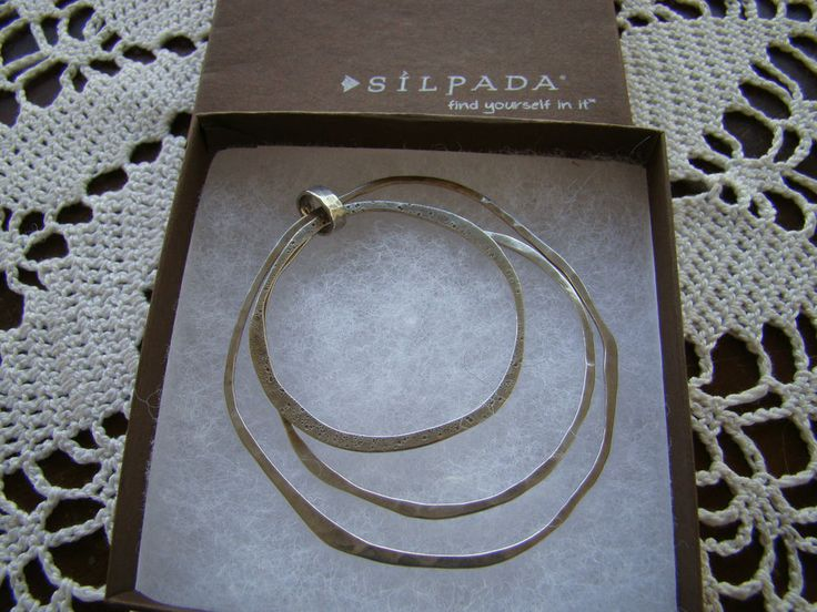 Pendant: Silpada Designs 2012-2013 catalog. Page 100 B Item: S2210 Retail was $89 plus tax and shipping. Display item in Silpada packaging! Excellent condition. *** I am not affiliated with Silpada, therefore no company guarantee applies.