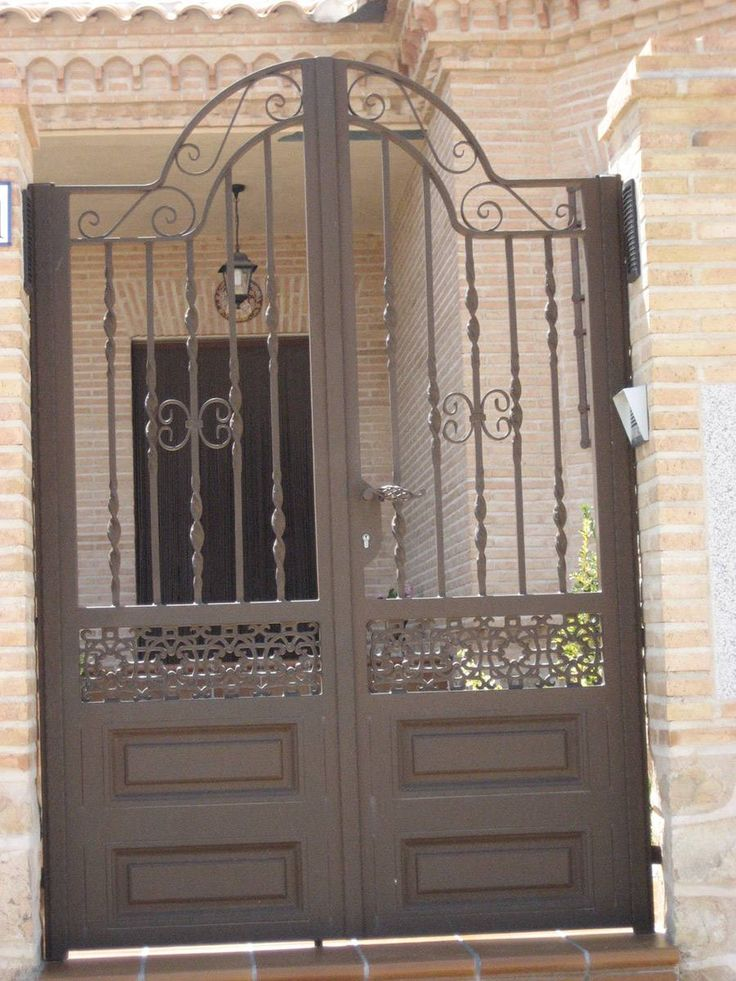 M s de 1000 ideas sobre puertas de hierro en pinterest - Puertas forja exterior ...