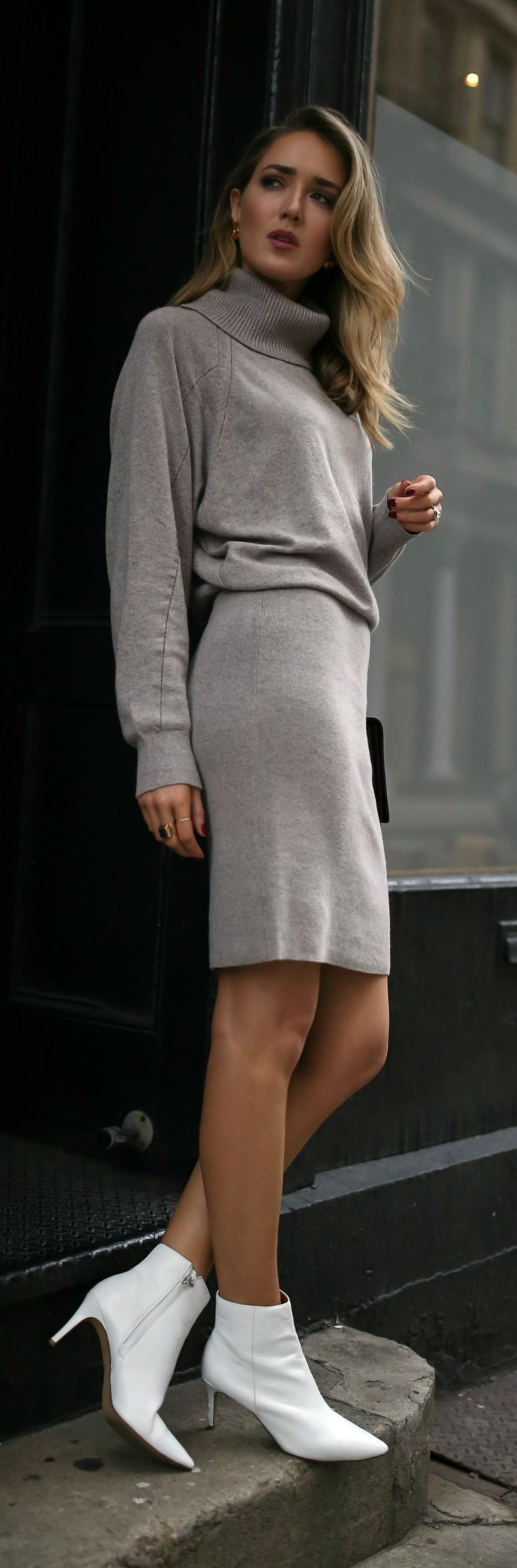 30 DRESSES IN 30 DAYS: Travel Day //  Grey long sleeve turtleneck sweater dress, white leather booties, black leather crossbody bag {Reiss, YSL, Halogen, what to wear to travel, fall style, sweater dress, street style, fashion blogger, classic dressing}