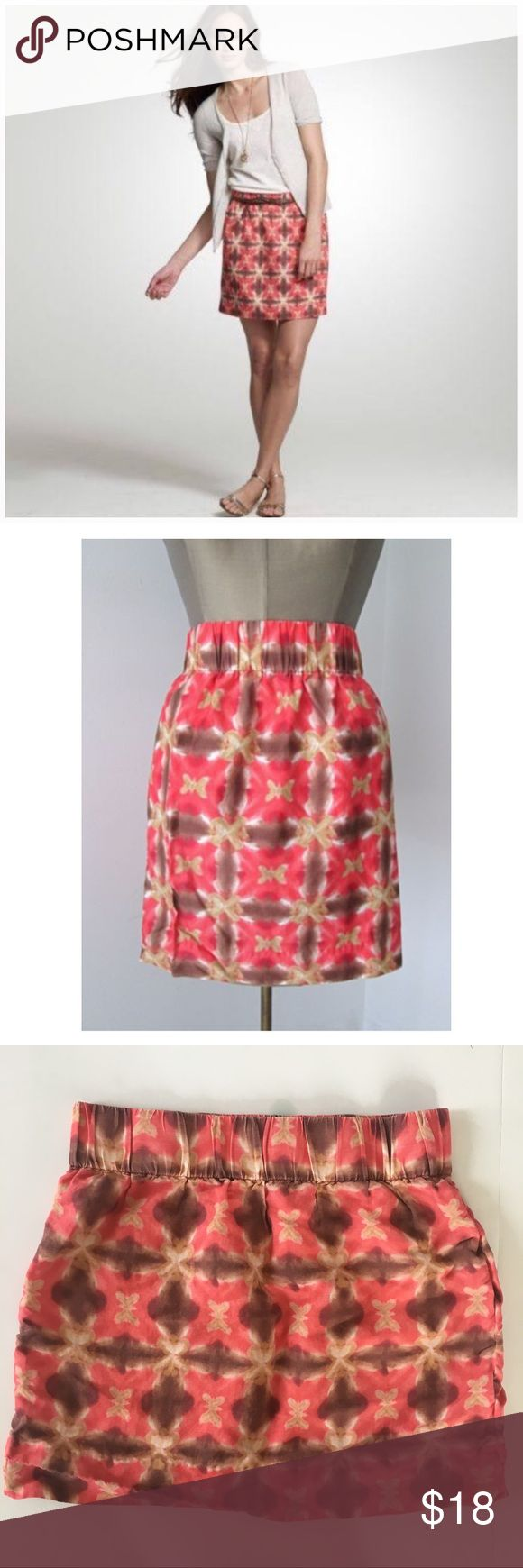 J. Crew Butterflie Tie Dye Skirt J. Crew red, tan, and brown butterfly tie dye cotton mini skirt. Elastic waist. 55% silk 45% linen. This skirt is perfect for fall when paired with tights/leggings + boots and sweater/Cardigan. 🍂🍁 J. Crew Skirts Mini