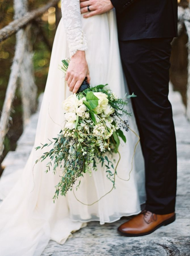 Rustic + romantic holiday wedding bouquet: http://www.stylemepretty.com/2015/12/23/black-gold-holiday-wedding-inspiration/ | Photography: Julie Paisley - http://juliepaisleyphotography.com/blog/