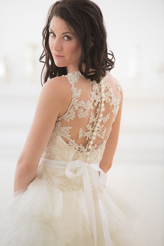 Strictly Weddings Is Privileged To Debut Veluz Reyes Wedding Gowns In Our Designer Feature Are Available With Ever After Bridal The U