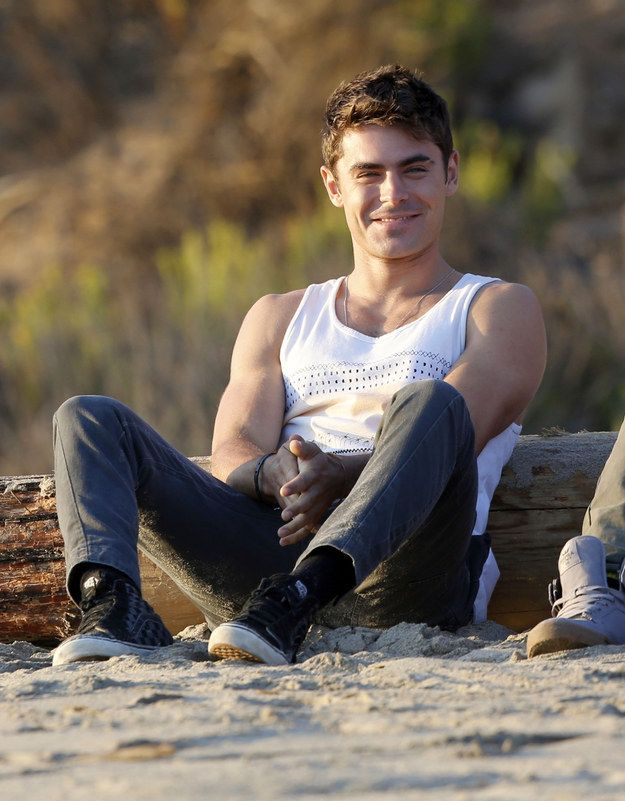 HAPPY! | Pull Up A Chair, Sit Down, And Look At These Pictures Of Zac Efron Shirtless Right Now