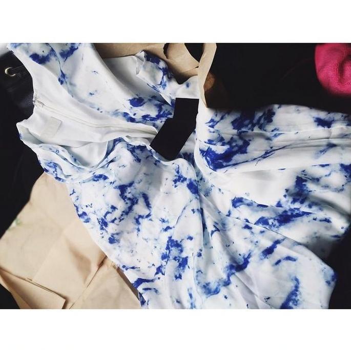 """Нам всегда приятно получать комплименты от наших клиентов. Repost @alla_kotik """"Когда акклиматизация, дожди, вокруг словно непальское землетрясение - раз, и тихий островок платья.  Уж очень мне этим нравится онлайн шоппинг."""" На фото платье Chalk, которое ждет примерки в нашем шоу руме (пер. Рыльский 6) Приятных покупок на suitster.com  купить http://suitster.com/Shop/clothes/dresses/s4270d42/  #suitster #online #store #fashion #style #chalk #dress #compliment"""