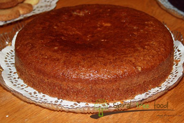Torta vegana di farina integrale allo yogurt di soia
