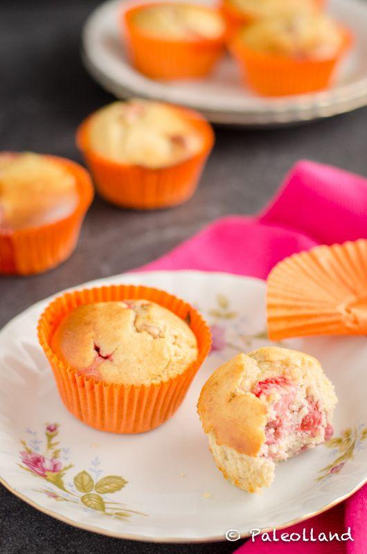 Paleo Strawberry Lemon Muffins on www.paleolland.com - sugar free, dairy free, gluten free