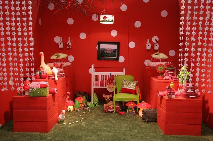 Kinderen hebben graag veel kleur om zich heen daarom mag het er bij de inrichting van een kamer - Inrichting van een kamer voor kinderen ...