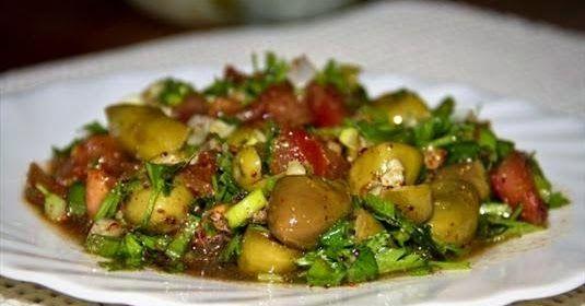 Tadına doyamayacağınız bir lezzet Yeşil Zeytin Salatası
