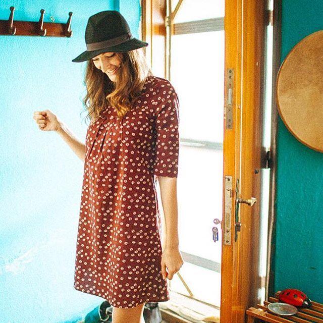 www.clandestinoshop.com yarımkol elbise: #bythesea • #otantik #ethnic #ethnicwear #boho #bohofashion #fashion #red #flowers #pattern #design #tasarim #desen #root #dress #moda #sokakmodasi #streetfashion