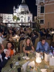 Il jet set internazionale si è ritrovato al party privato organizzato sulla terrazza dell' Hotel Bauer per celebrare la 71esima Mostra del Cinema di Venezia
