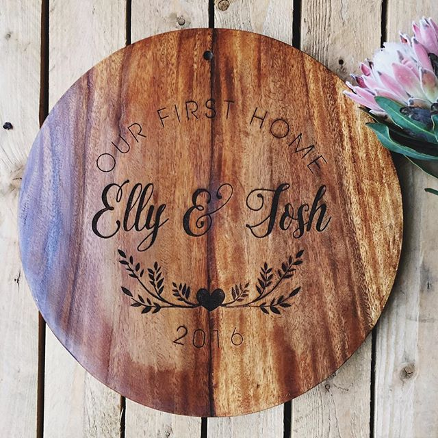 What a great idea for a housewarming gift!!  40cm round acacia wood etched serving board!  Get in touch to design one today!  info@sketchandetch.com.au