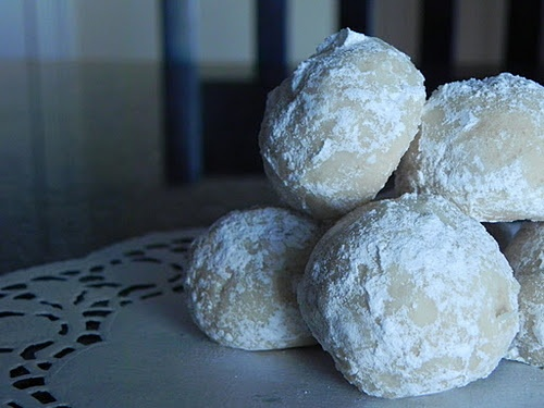 Russian Tea Cakes | b!tchen k!tchen | Pinterest | Russian Tea Cake ...