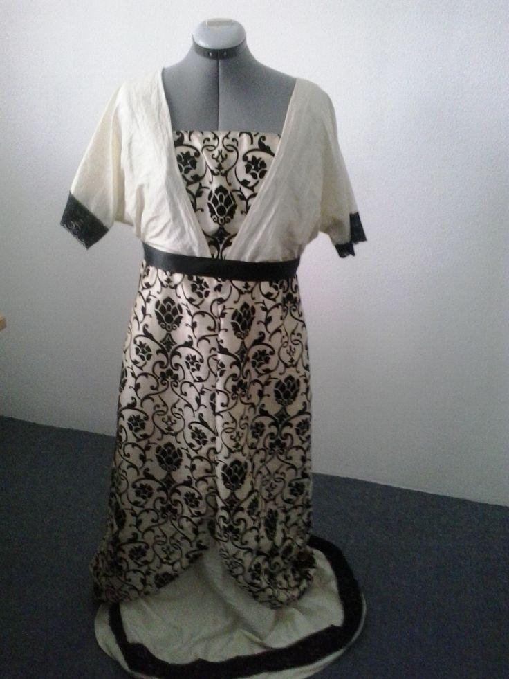 Zelfgemaakte jurk. Patroon uit de tijd van de Titanic