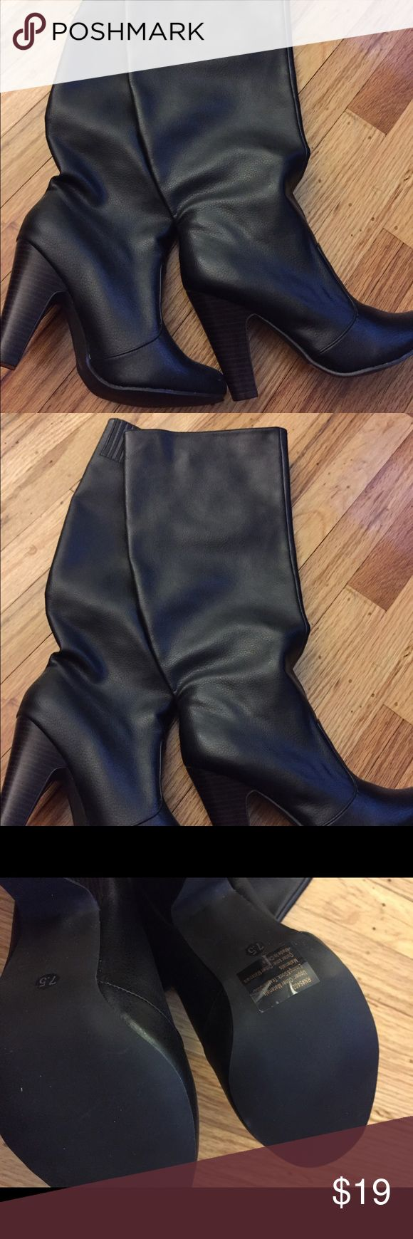 Brand New Black Knee High Boots Brand New Black Knee High Boots. Size 7.5 but I think they run small, maybe more like a 6.5 or 7. Very expensive looking! Old Navy Shoes Over the Knee Boots
