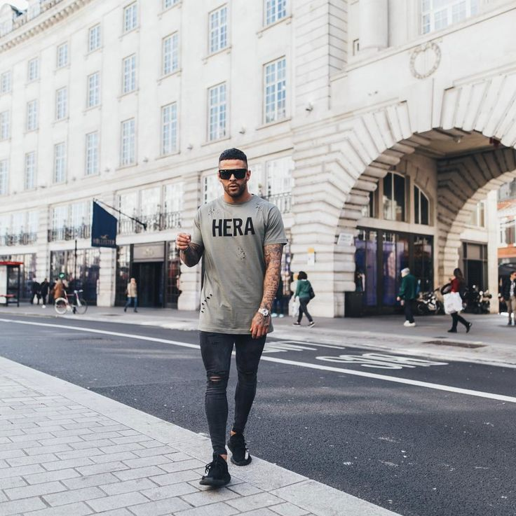 Ripped Tee and Ripped Jeans all day - #hera #heralondon #streetstyle #streetwear #menswear