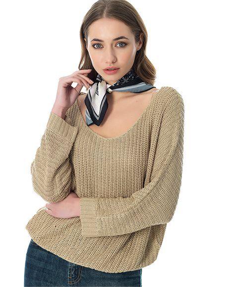 Πουλόβερ με V λαιμόκοψη #fashion #fashionable #girl #pinkwoman #knitwear