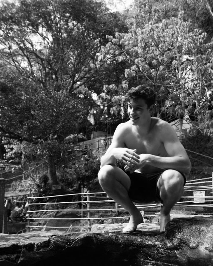"""2,350 Likes, 4 Comments - Shawn Mendes Updates (@shawnmendesupdates1) on Instagram: """"March 16: @shawnmendes via Instagram Story  #shawnmendes#mendesarmy#jfcshawnmendes"""""""