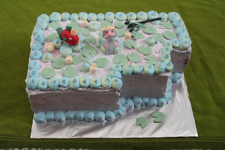 Ahti (the god of the sea) has his own cake.
