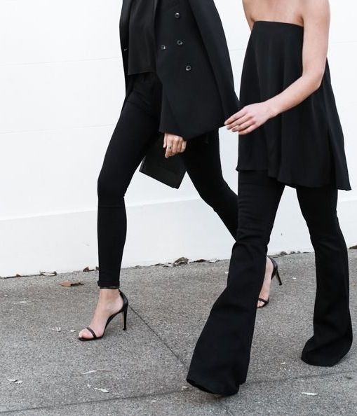 Minimal + clean all black.