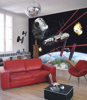 """Han Solos legendärer Millennium Falke rast in Lichtgeschwindigkeit durch die Galaxien und überschreitet dabei sogar die Grenzen von Raum und Zeit. (Fototapete """"Star Wars Millennium Falcon"""", 8-489)"""