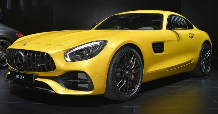 Facelifted 2018 Mercedes-AMG GT Comes To Detroit To Pick A Fight With Porsche #Detroit_Auto_Show #Mercedes