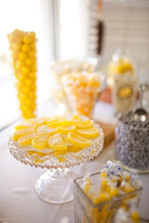 Lemon yellow accents for wedding