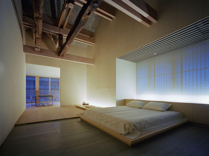 お宿には、3つのタイプのお部屋があります。全てシンプルで、温かいお部屋ばかりです。旅館には5つの貸切風呂もありますので、銀山温泉のお湯も、ゆったりと楽しむことができますよ。