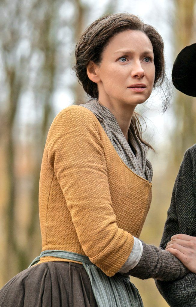 Pin By Little Red Squirrel On Caitriona Balfe Claire Fraser Outlander Outlander Costumes Outlander Clothing Outlander Claire