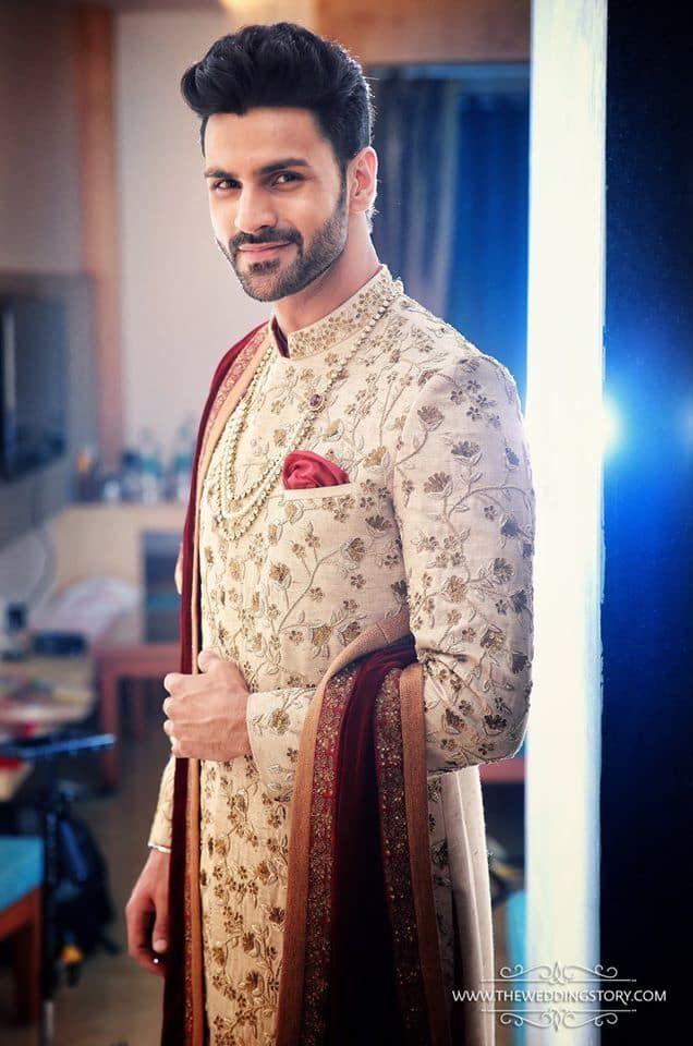 Groom Wear - The Royal Groom! Photos, Hindu Culture, Beige Color, Groom Sherwani, Designer Groom Wear, Wedding pictures, images, vendor credits - The Wedding Story - 4164.