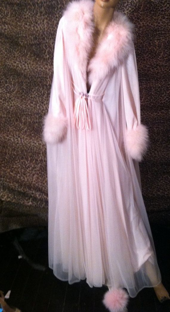 Lucie Ann peignoir with pink marabou  Period dress and