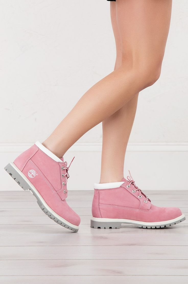 Timberland Nellie Boots in Pink