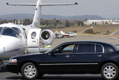 To get Toronto Limo Service @ Toronto Pearson International Airport Limo (YYZ), Travel in comfort with #torontoairportlimo    Online @ http://goo.gl/IqkYNg  Reserve Now @ (289) 768 0001