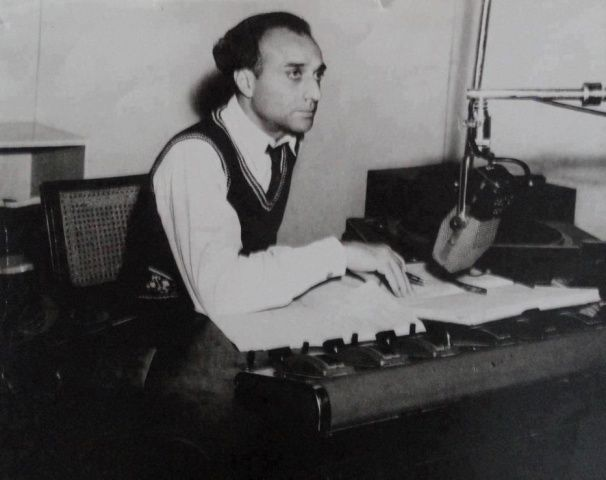 Broadcaster, Mustafa Ali, announcing the creation of Pakistan on the radio at 12 am, August 14, 1947.
