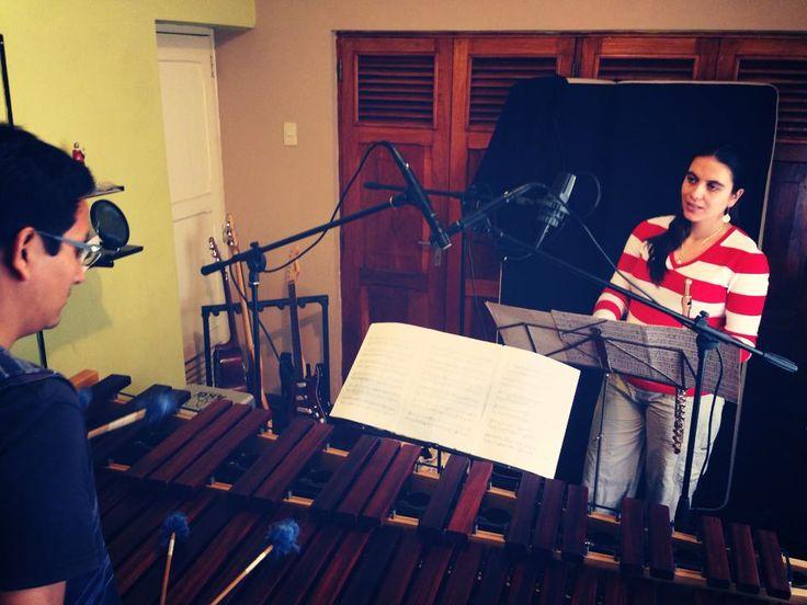 Ensamble PaloViento! Grabando junto a Aníbal Martel (marimba) la obra de Ney Rosauro. Gracias a Marvin Miyashiro por el estudio y la buena onda! En Lima, septiembre 2013